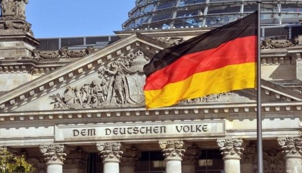 Περικοπές φόρων σχεδιάζει ο Γερμανός ΥΠΟΙΚ