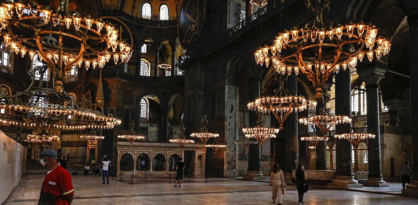 Παγκόσμια οργή για τη μετατροπή σε τζαμί