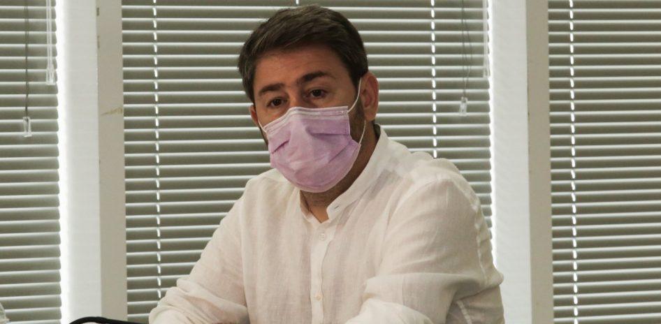 Ο Ανδρουλάκης λέει ότι ο ΓΑΠ του ανακοίνωσε την υποψηφιότητά του